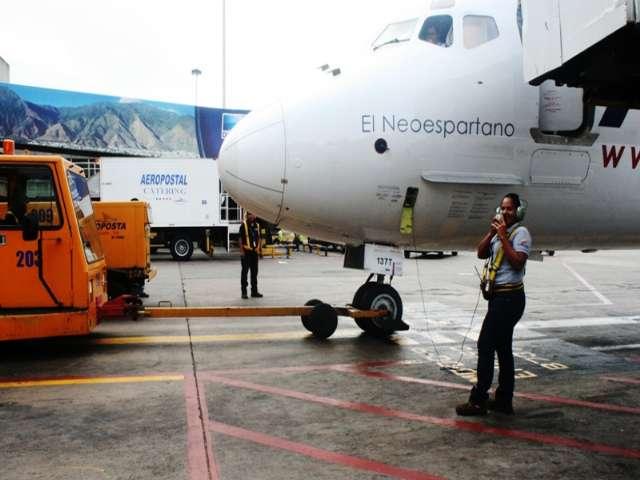 mujeres en el transporte aereo venezuela 2013