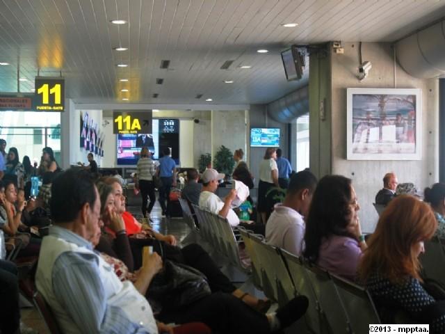 puerta 11 a aeropuerto de maiquetia