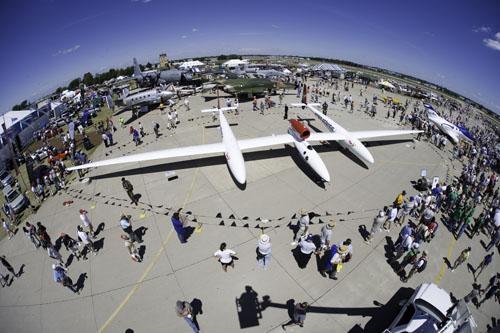 El GlobalFlyer en AirVenture 2005