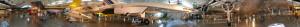 Vista panorámica del interior del Centro Seven F. Udvar-Hazy. El GlobalFlyer puede verse exhibido sobre el Concorde (Click para ampliar)