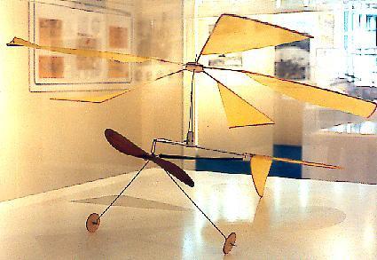 Modelo de autogiro propulsado por liga, usado por La Cierva para probar su concepto