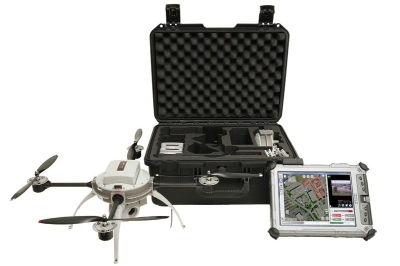 Quadcoptero Aeryon Scout. Este pequeño UAV ha sido usado ya para labores de búsqueda y rescate de personas en situaciones de desastre y para la observación de derrames de petróleo.
