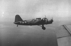 Escuadron de Observación 44 de la US Navy (VS44) Avión OS2U Kingfisher, piloteado por el Alferez Ens. J. Clay Staples, sobre el sur del Mar Caribe, circa Jul 1943