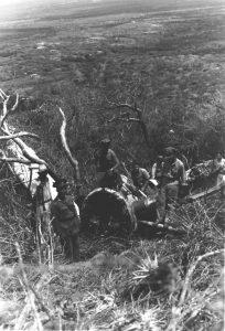 """Avión OS2U Kingfisher del Escuadrón de Observación 44 de la US Navy (VS-44). número 44-S-9 (BuNo 01459), el cual """"aterrizó"""" en la ladera del Cerro Santa, Paraguaná, el 3 de Mayo de 1943. mientras era pilotado por el Alférez Lloyd C. Morse, acompañado por el operador de radio era Wayne E. Kent. David Stubblebine, World War II Database (ww2db.com)."""