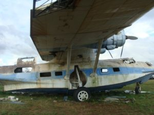 BuNo48374. YV-584CP, Puerto Ordaz, previo a ser desguazado. Autor desconocido.