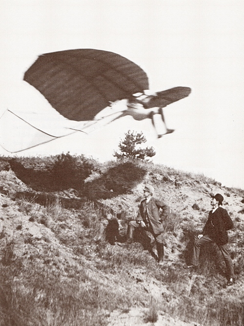 Lilienthal019Vuelo1891_67.Flight attempt of Lilienthal on the Derwitzer Glider, Derwitz, 1891 sm