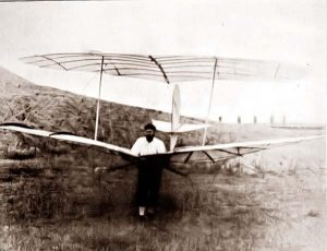 Lilienthal039Vuelo1895_118.005a-otto-lilienthal-glider-1895