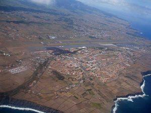tragediaorfeonazores12-640px-aeroporto_das_lajes_costa_norte_da_ilha_terceira_acores_portugal